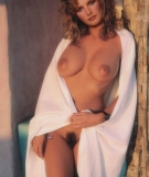 rene_russo_naked13